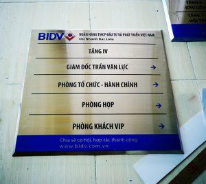 bảng tên công ty mica, inox